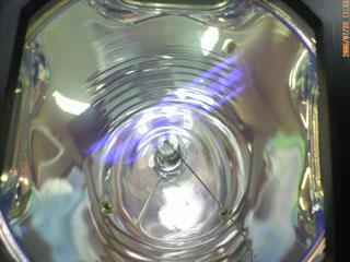 ▲これが切れしまった古いランプです。